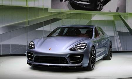 Porsche panamera sport turismo concept live photos 2012 paris auto show 100403406 m