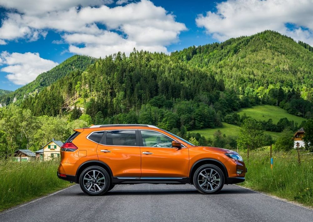 a quick look at the nissan x trail 2019 uae yallamotor. Black Bedroom Furniture Sets. Home Design Ideas