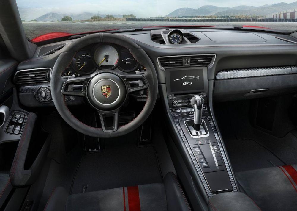 Porsche 911 2019 Interior