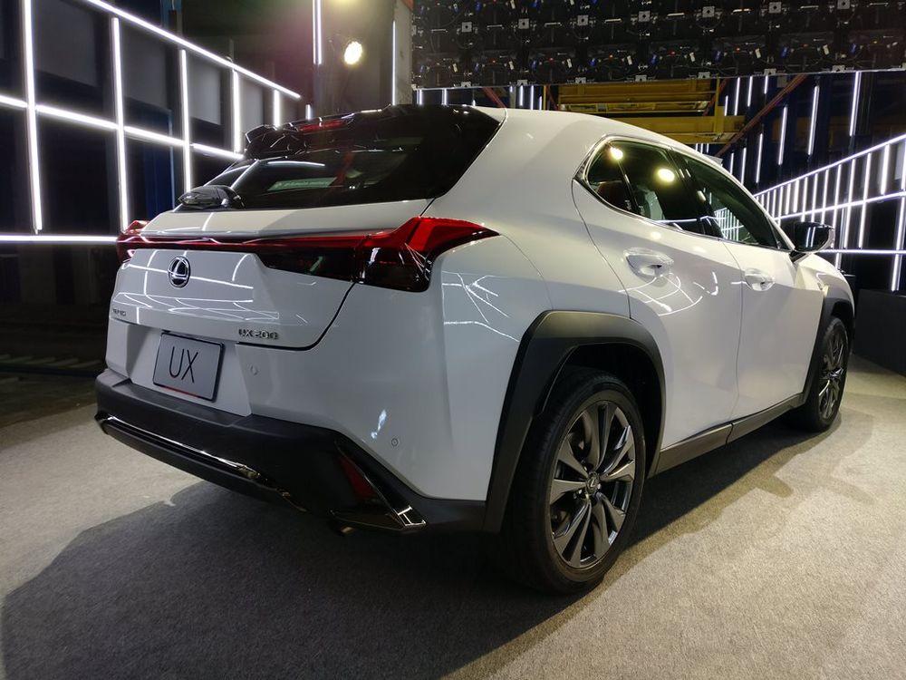 Lexus UX 2019 Rear