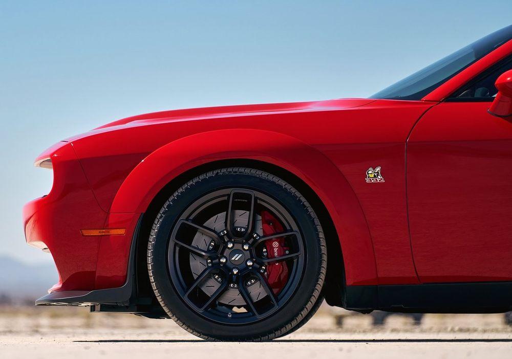 Dodge Challenger 2019 Side