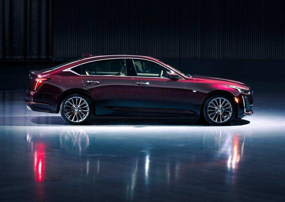 Cadillac CT5 2020 Side