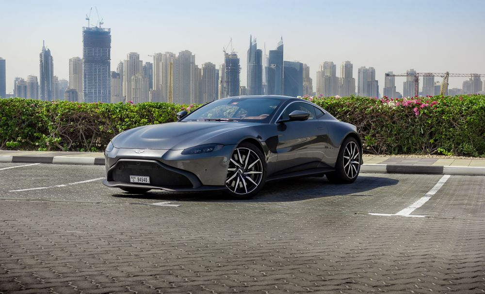 Aston Martin Vantage 2019 Review