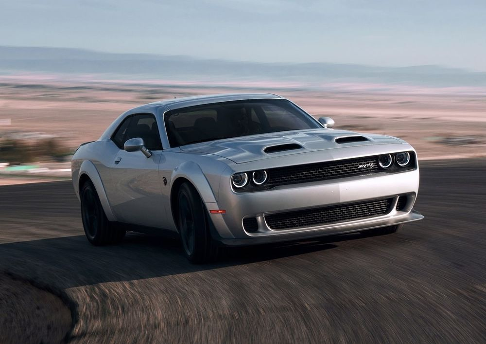 Dodge Challenger Srt Hellcat Redeye Rumbles Into The Middle