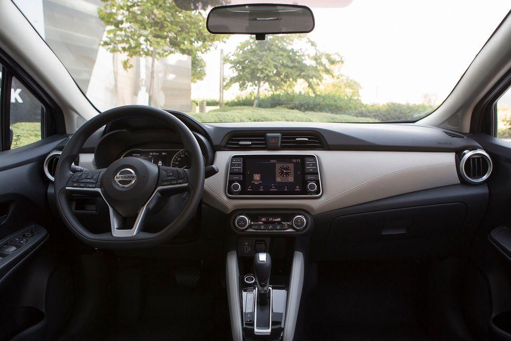 Nissan Sunny Interior