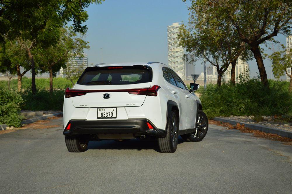 Lexus UX Back