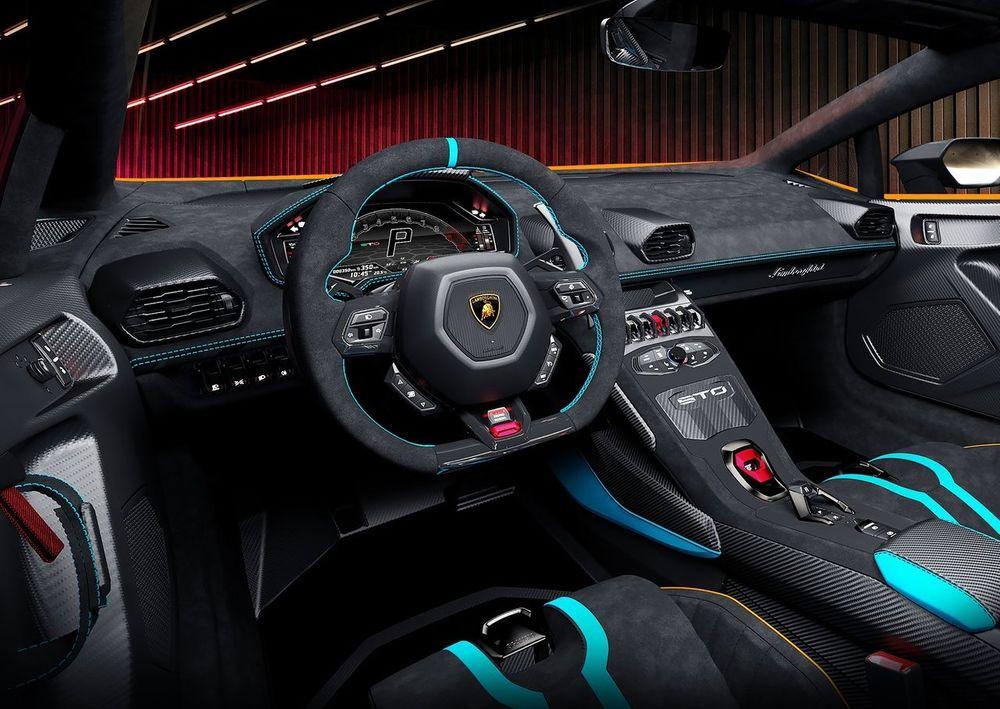 Huracan STO Interior