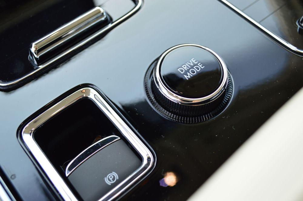 Lincoln AViator Interior - 2