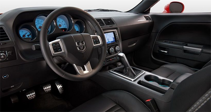 Dodge Challenger 2014, Oman