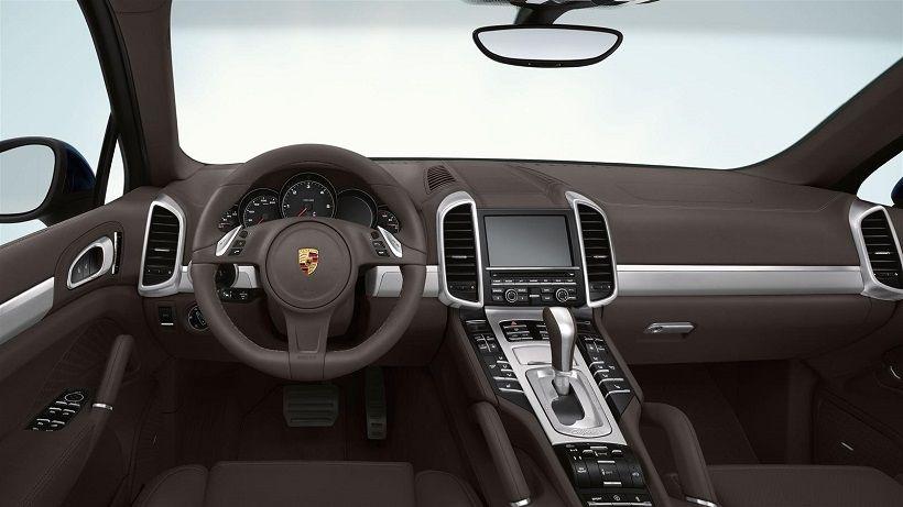 Porsche Cayenne 2014, Kuwait