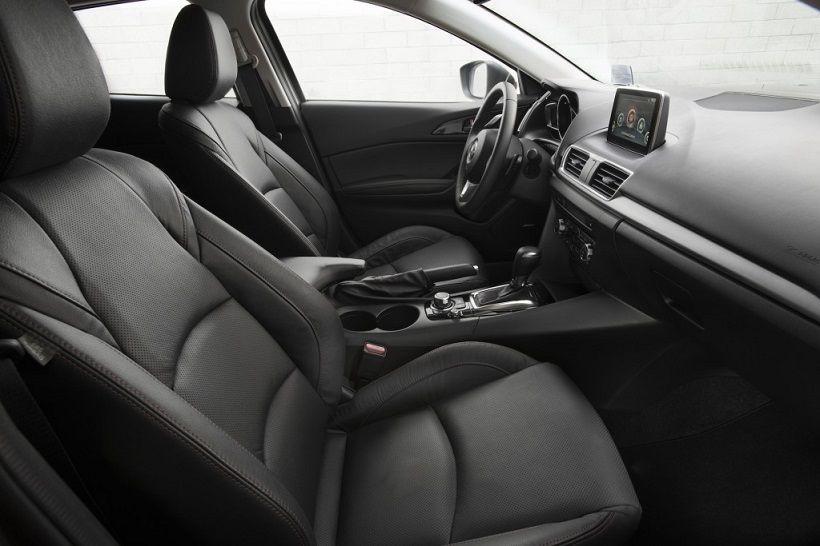 Mazda 3 Hatchback 2015, United Arab Emirates