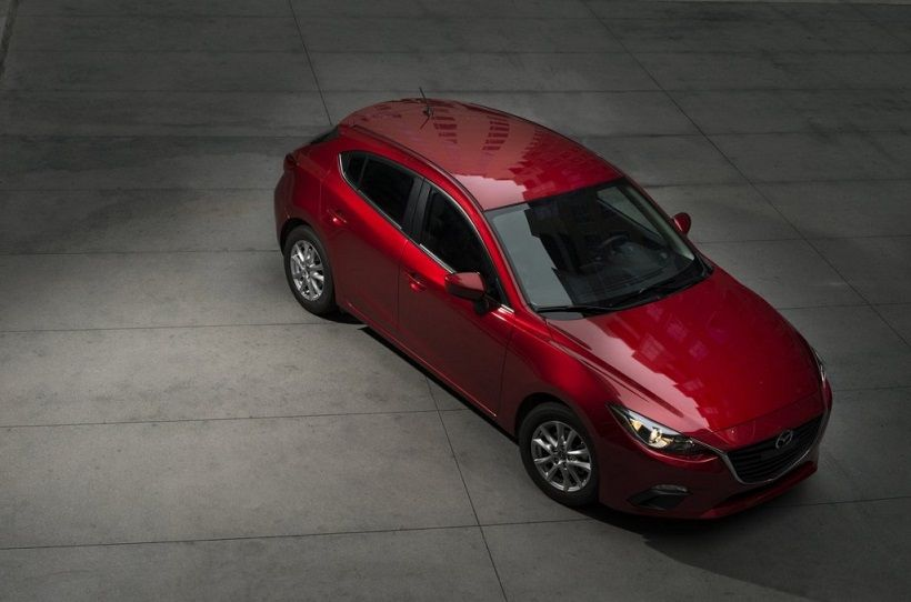 Mazda 3 Hatchback 2015, United Arab Emirates