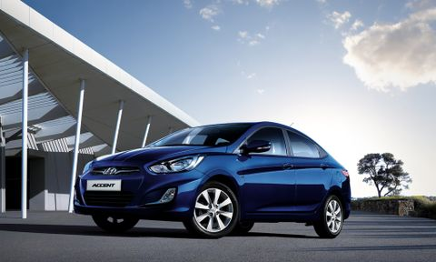 هيونداي أكسينت 2012 1.4L, kuwait, https://ymimg1.b8cdn.com/resized/car_model/14/pictures/2179/mobile_listing_main_Hyundai_-_Accent_-_2013_-_Front_View.jpg
