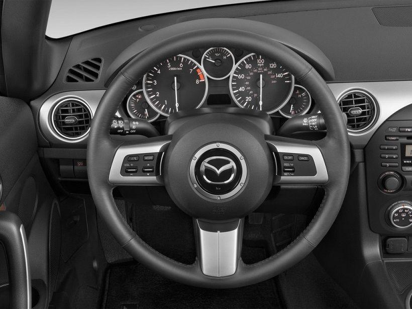 Mazda MX-5 2014, Oman