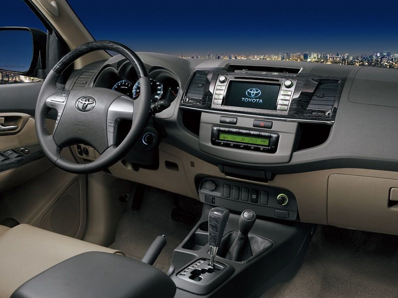 Toyota Fortuner 2015, United Arab Emirates