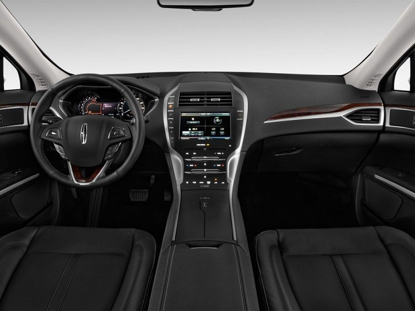 Lincoln MKZ 2015, United Arab Emirates