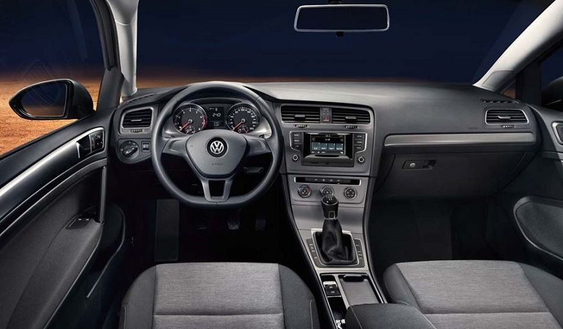 Volkswagen Golf 2015, United Arab Emirates