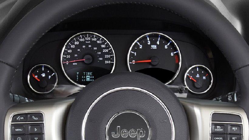 Jeep Compass 2015, Oman