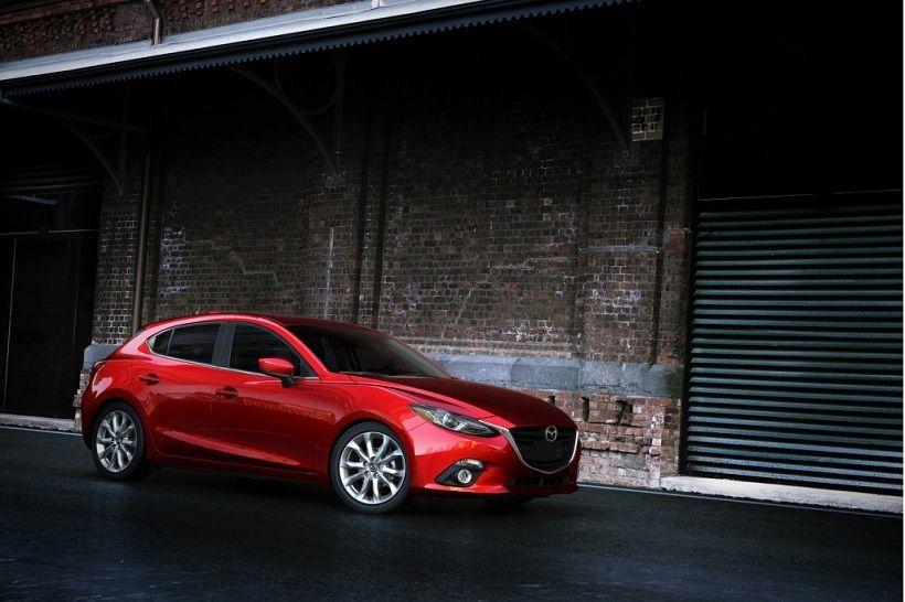 Mazda 3 Hatchback 2016, United Arab Emirates