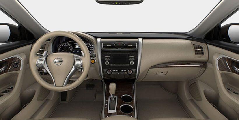 Nissan Altima 2016, Oman