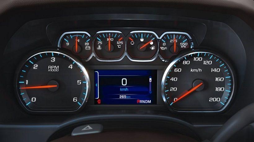 Chevrolet Suburban 2016, Oman