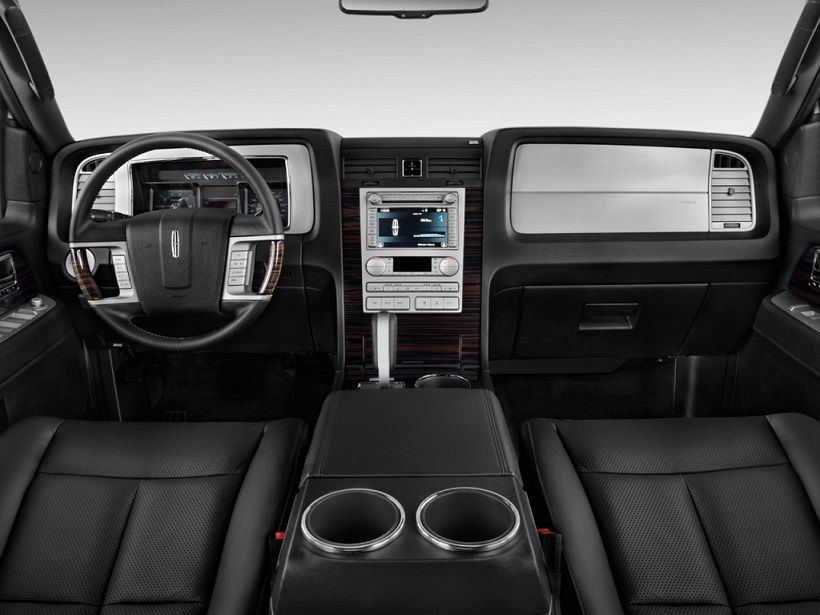 Lincoln Navigator 2016, Saudi Arabia