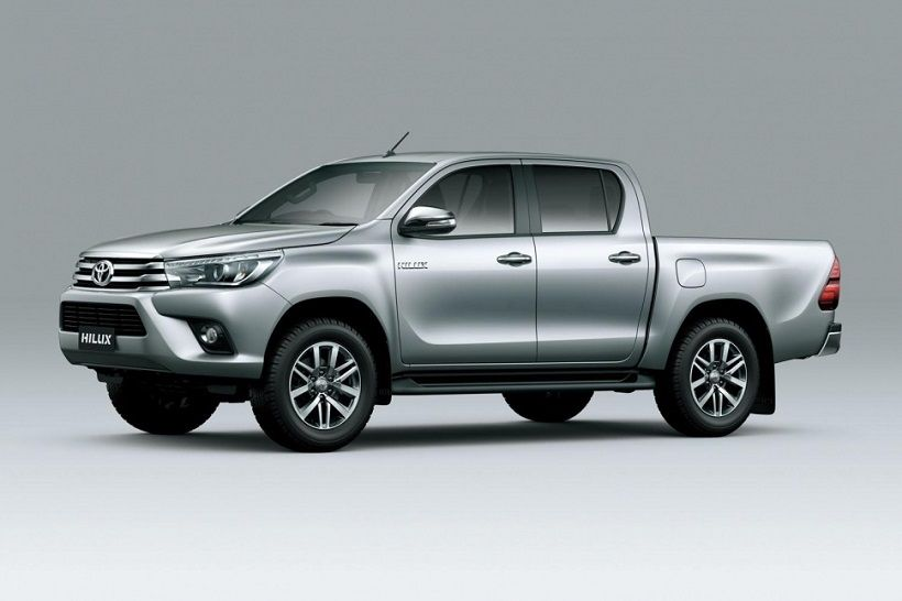 Toyota Hilux 2016, United Arab Emirates