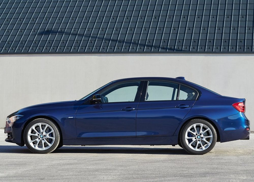 BMW 3 Series 2017, Saudi Arabia