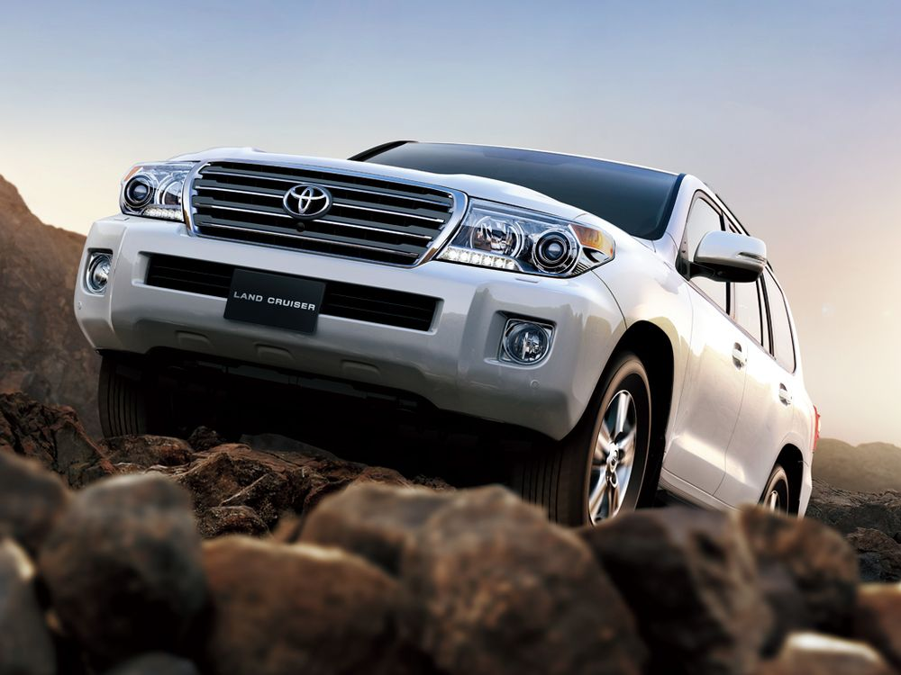 Toyota Land Cruiser 2012, United Arab Emirates