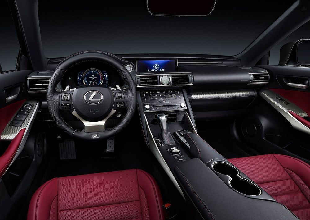 Lexus IS 2017, United Arab Emirates
