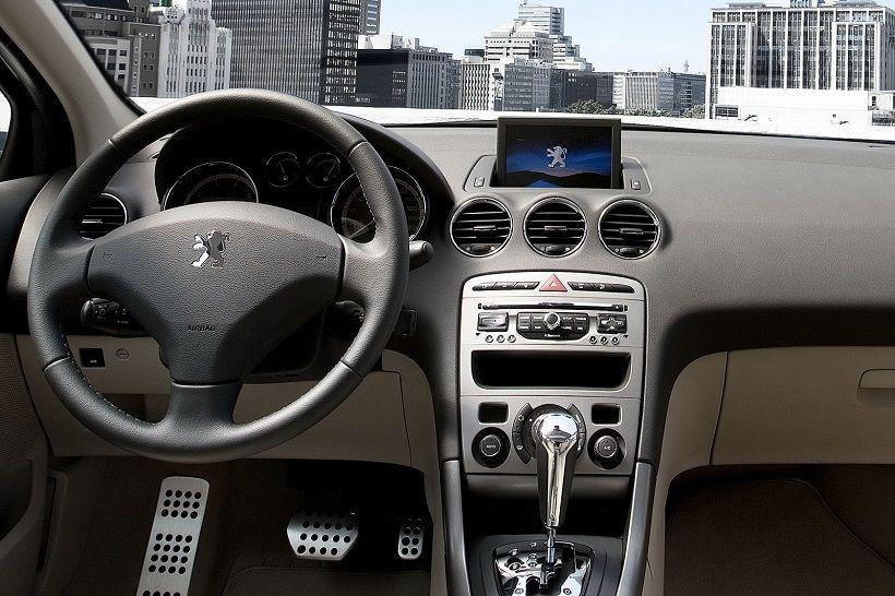 Peugeot 408 2017, Kuwait