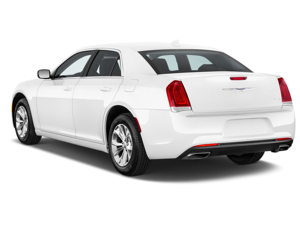 Chrysler 300C 2017, Oman