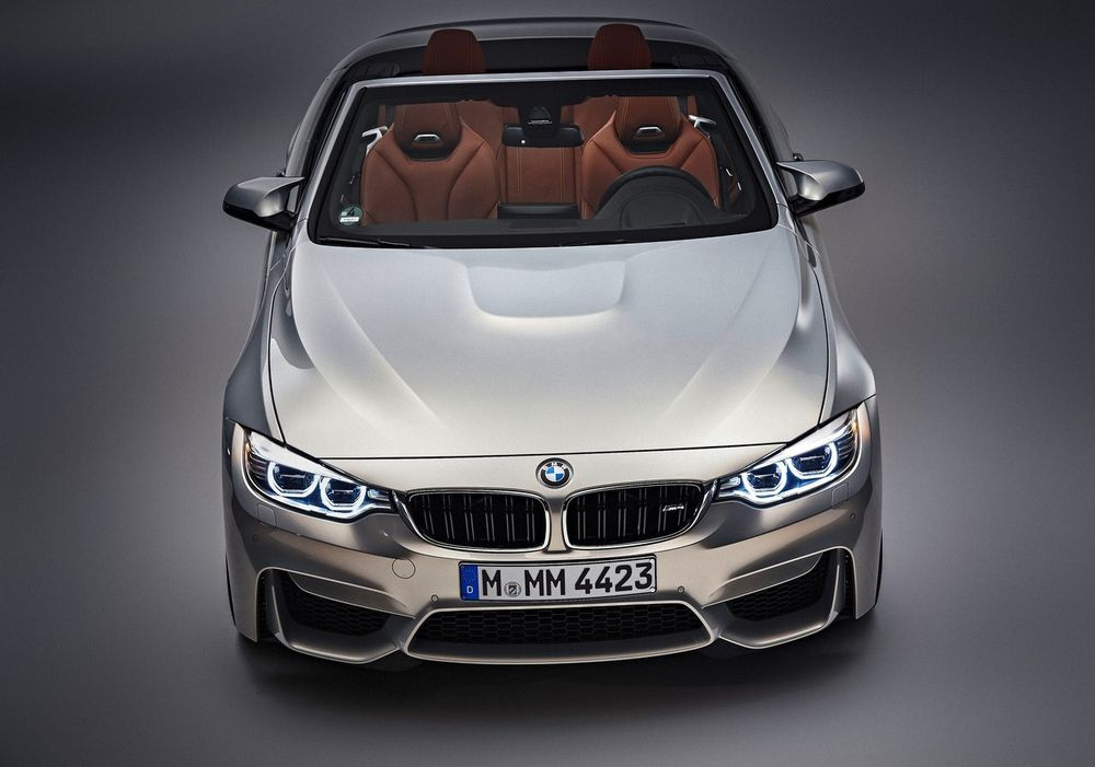 BMW M4 Convertible 2017, Bahrain