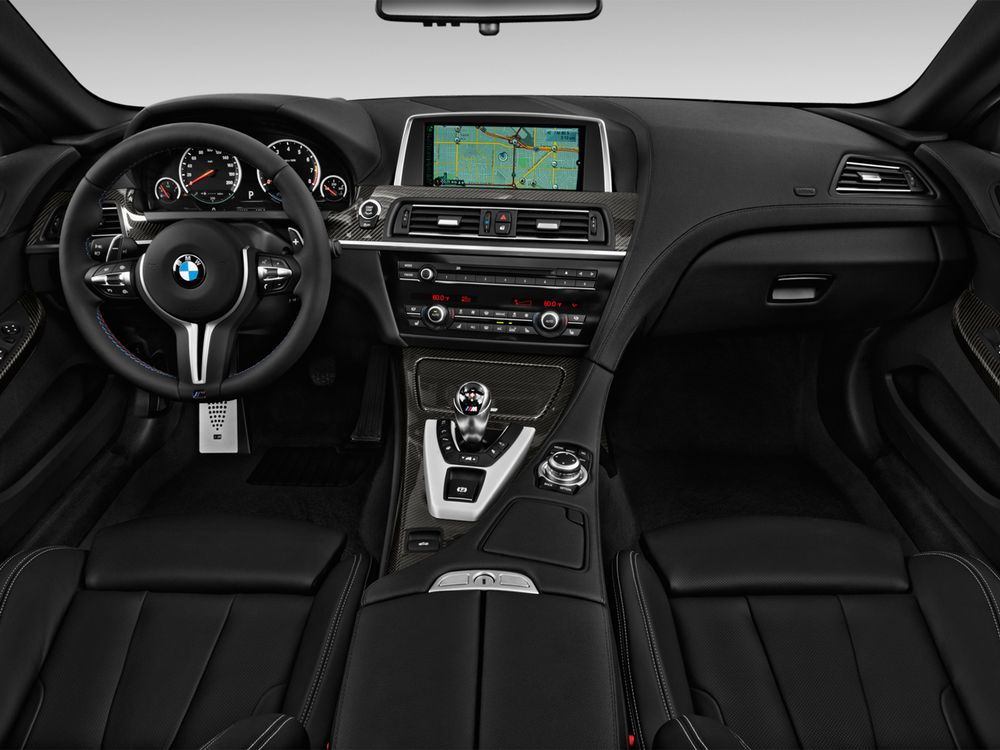 BMW M6 Coupe 2017, Oman