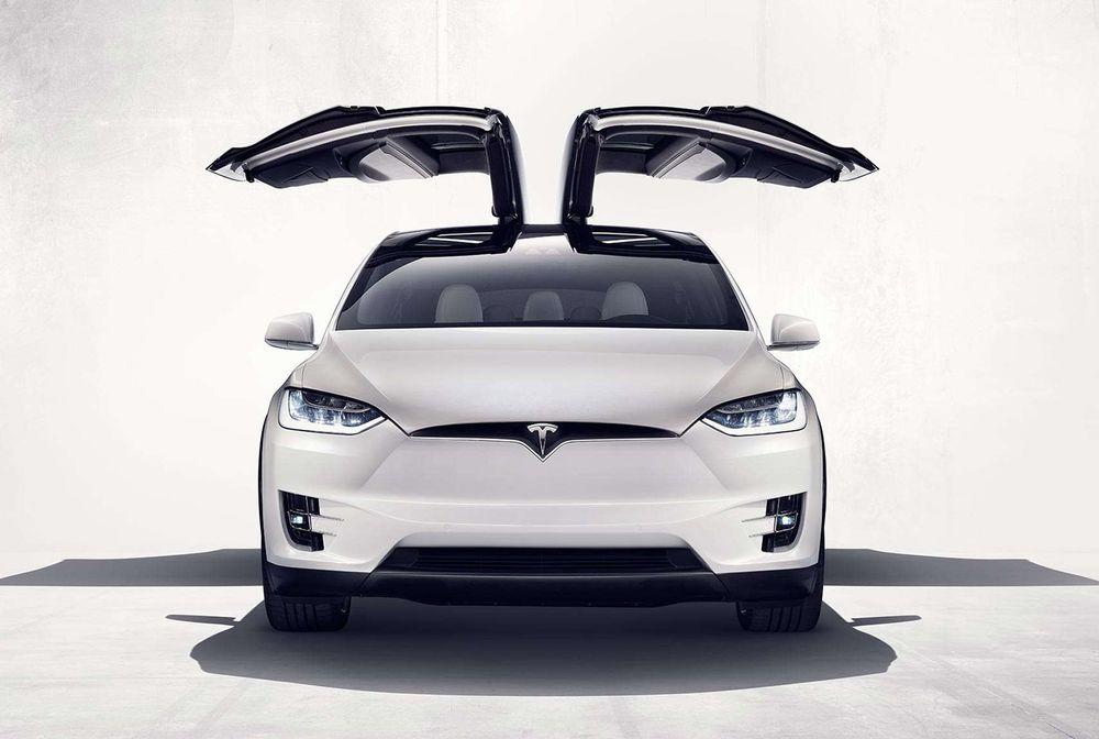 Tesla Model X 2017, United Arab Emirates