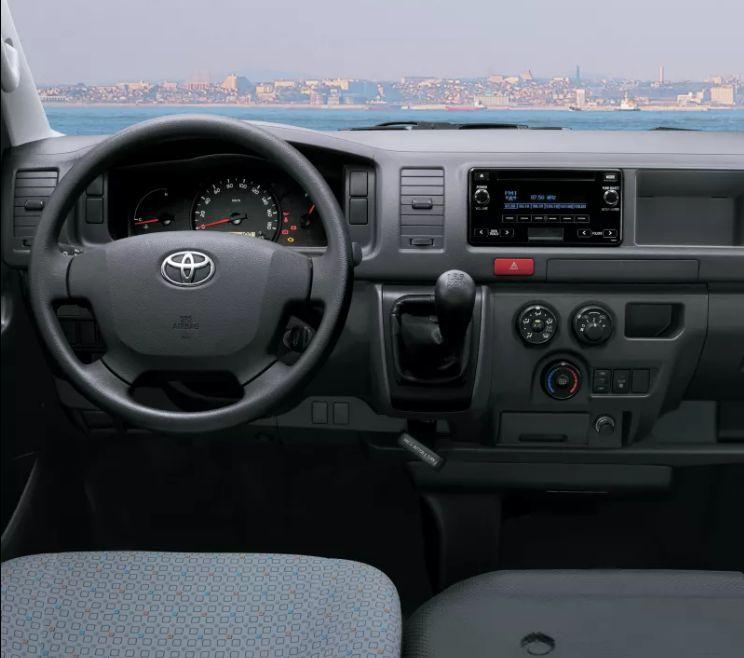 Toyota Hiace 2017, Oman