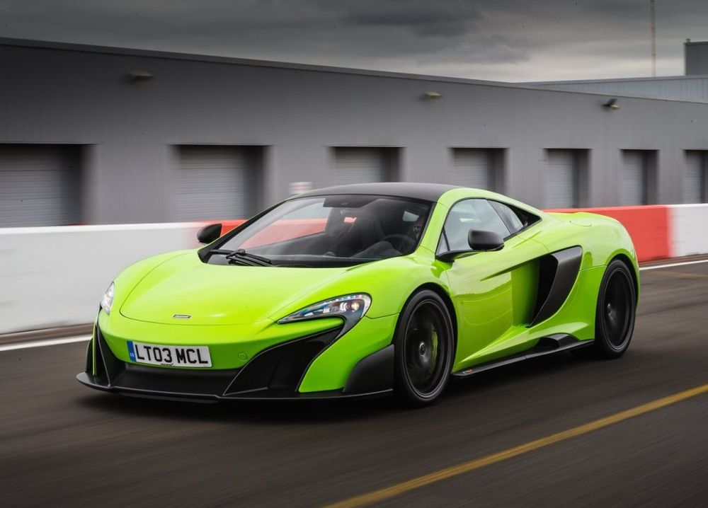 McLaren 675 LT 2017, United Arab Emirates