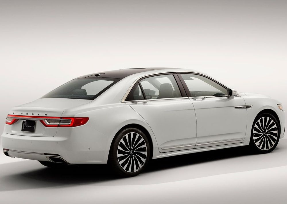 Lincoln Continental 2017, United Arab Emirates