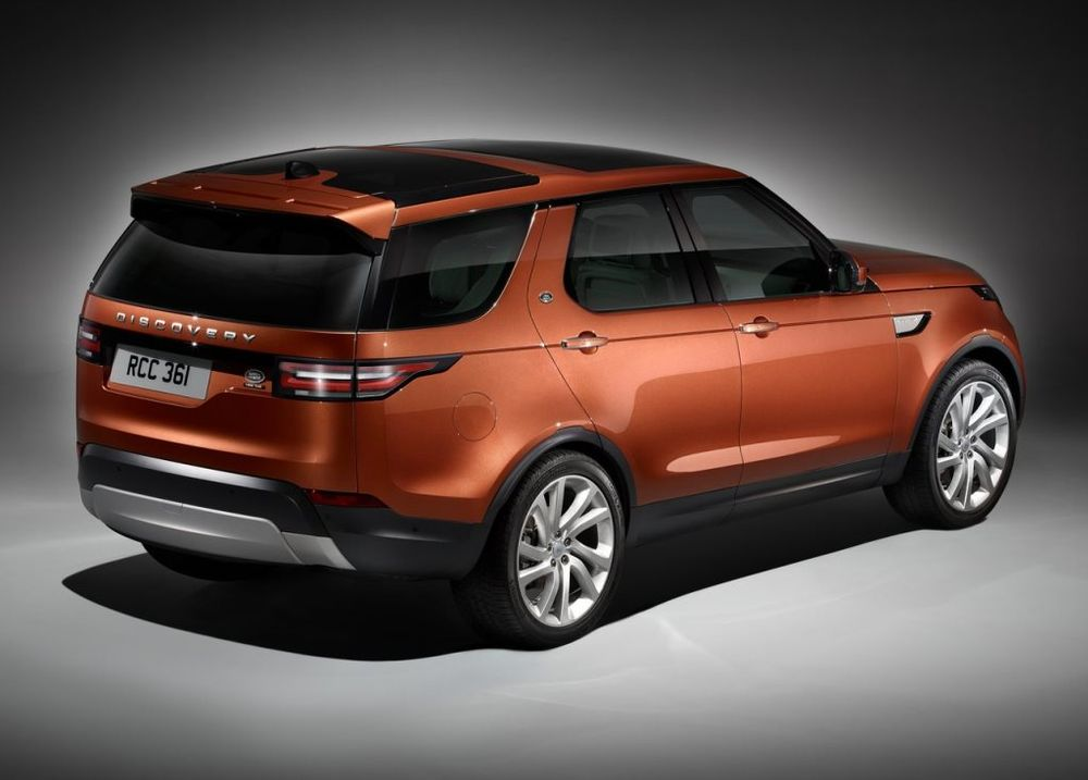 Land Rover Discovery 2017, United Arab Emirates