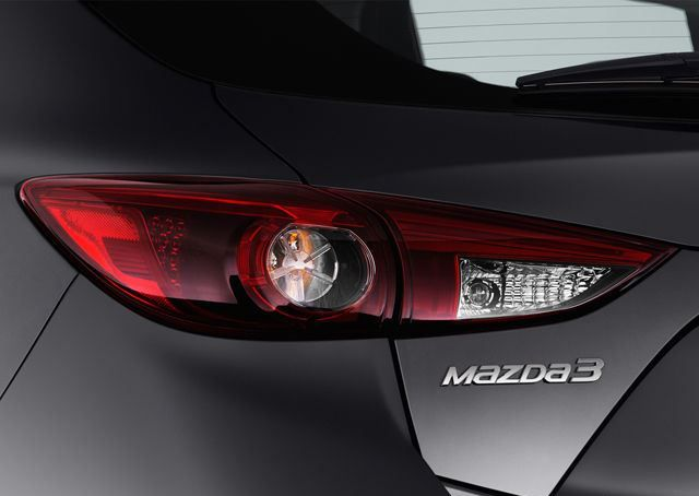 Mazda 3 Hatchback 2018, United Arab Emirates