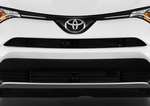 Toyota Rav4 2018, Oman