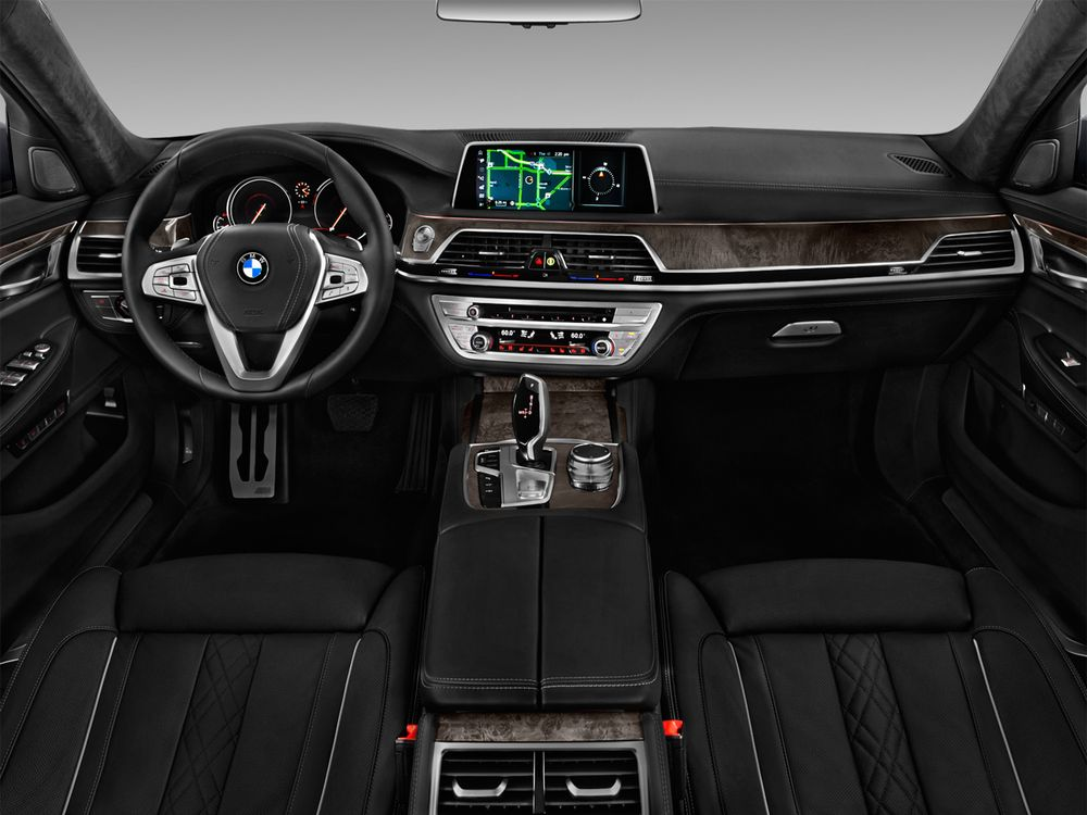BMW 7 Series 2018, Saudi Arabia