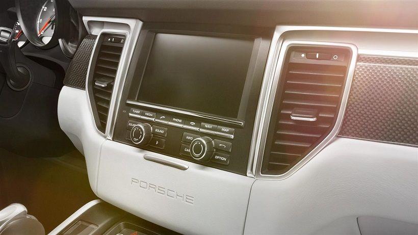 Porsche Macan 2018, Saudi Arabia