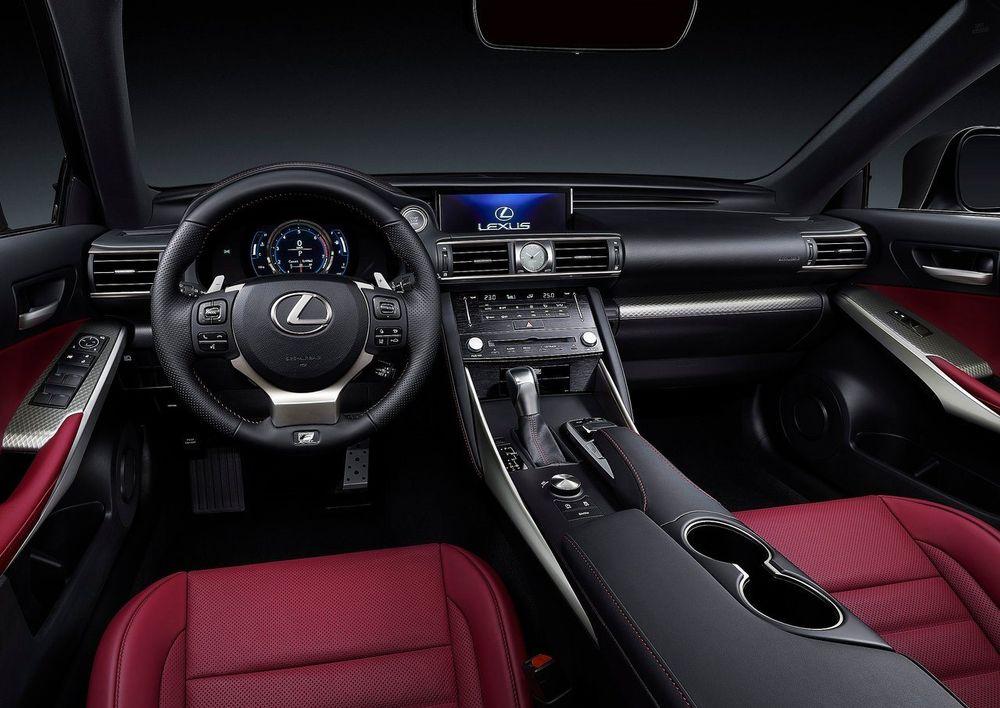 Lexus IS 2018, Saudi Arabia