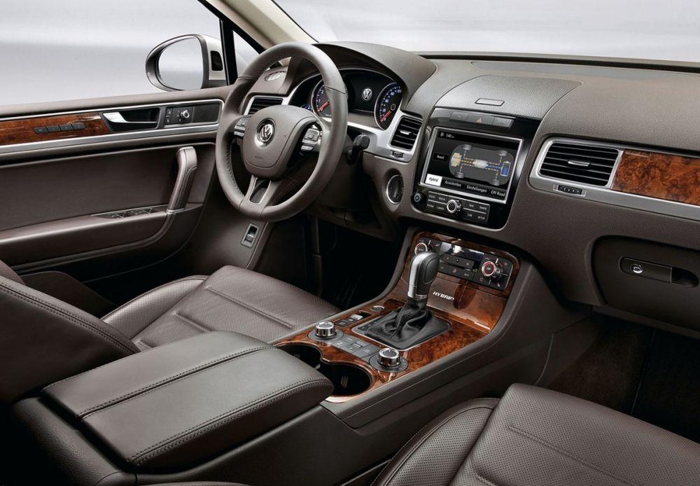 Volkswagen Touareg 2018, United Arab Emirates