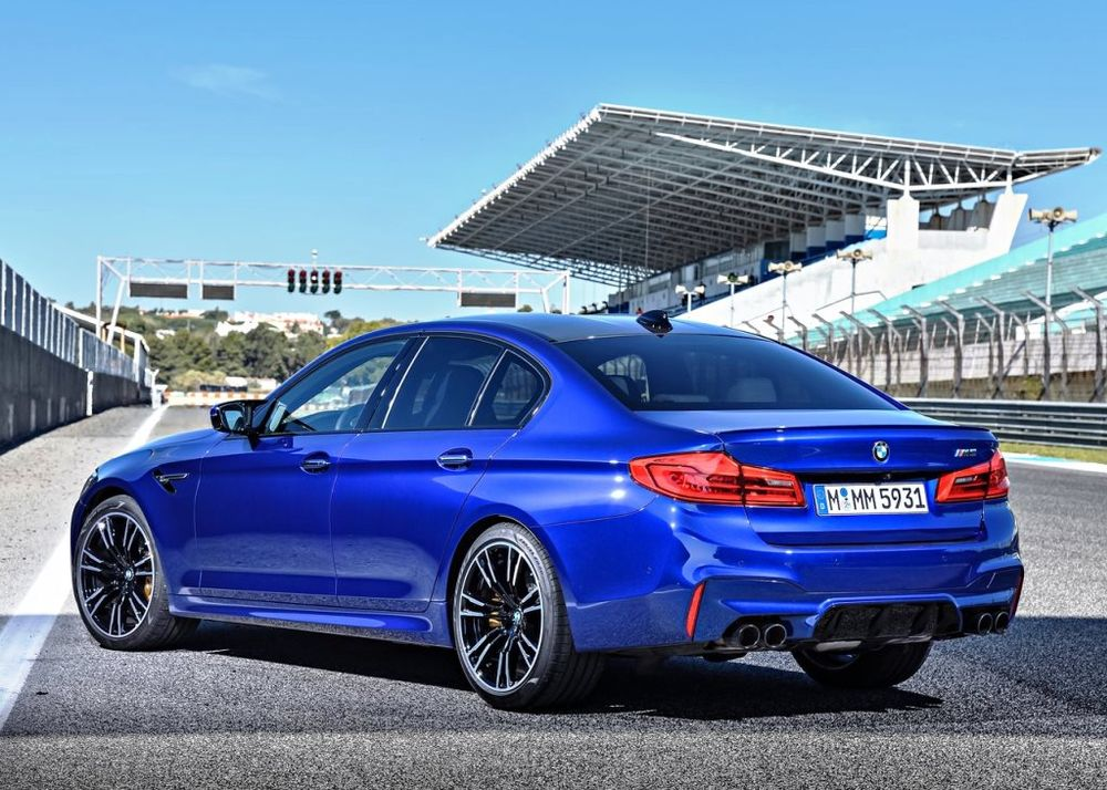 BMW M5 Sedan 2018, Bahrain
