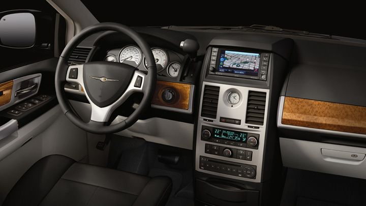 Chrysler Town & Country 2018, Kuwait