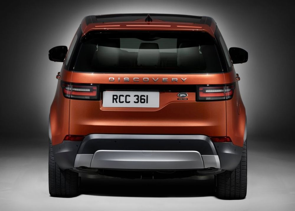 Land Rover Discovery 2018, United Arab Emirates
