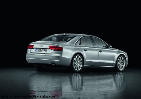 Audi A8 L 2012, United Arab Emirates