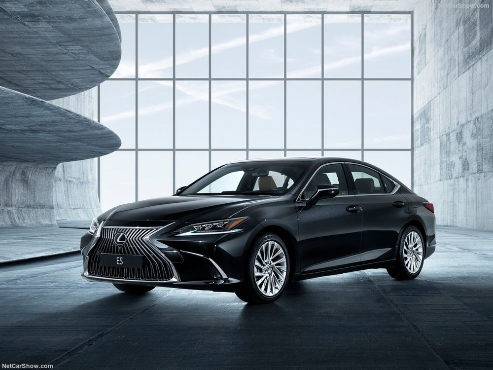 Lexus ES 2019, Kuwait